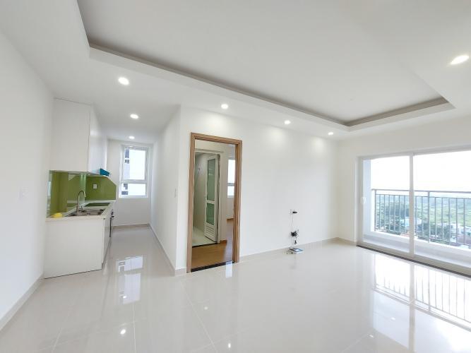 Căn hộ Lavita Charm tầng cao đón gió mát mẻ, nội thất cơ bản.