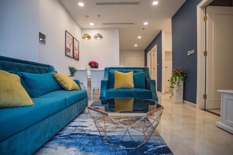 Căn hộ Vinhomes Golden River tầng 25, đầy đủ nội thất và tiện ích.