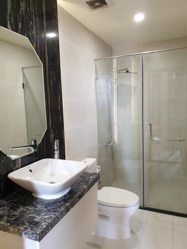 Phòng tắm căn hộ Grand Riverside, Quận 4 Căn hộ Grand Riverside tầng 9 view thành phố, đầy đủ nội thất.