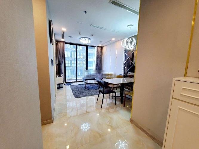 Phòng khách Vinhomes Golden River, Quận 1 Căn hộ Vinhomes Golden River hướng Đông Nam, view sông.