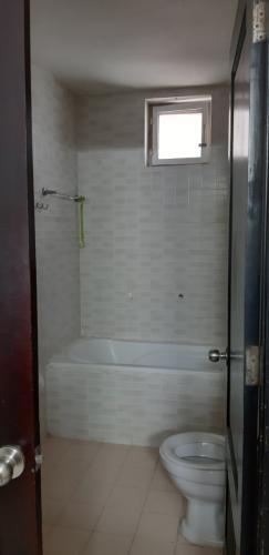 Phòng tắm căn hộ Screc Tower, Quận 3 Căn hộ Screc Tower cửa hướng Tây Bắc, view thành phố thoáng mát.