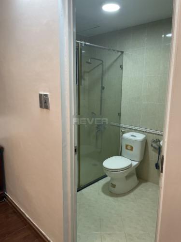 Phòng tắm chung cư Thế Hệ Mới, Quận 1 Căn hộ chung cư Thế Hệ Mới đầy đủ nội thất, hướng Đông Nam.
