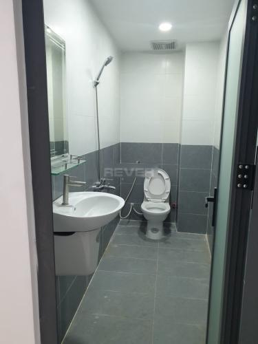 Phòng tắm nhà phố Thạnh Xuân 24, Quận 12 Nhà nguyên căn mới xây 1 trệt 3 lầu làm văn phòng, hẻm xe hơi.