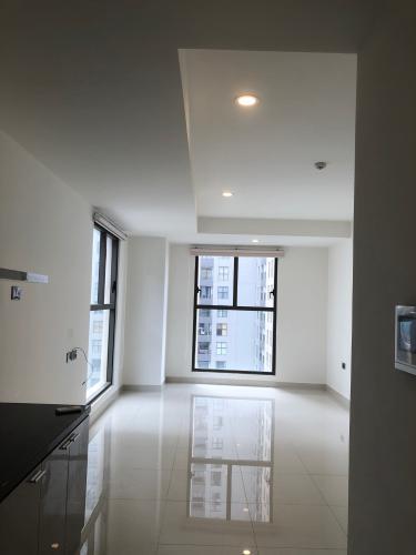 Phòng khách , căn hộ SaiGon Royal , quận 4 Officetel Saigon Royal tầng 17 view thoáng mát, nội thất cơ bản.
