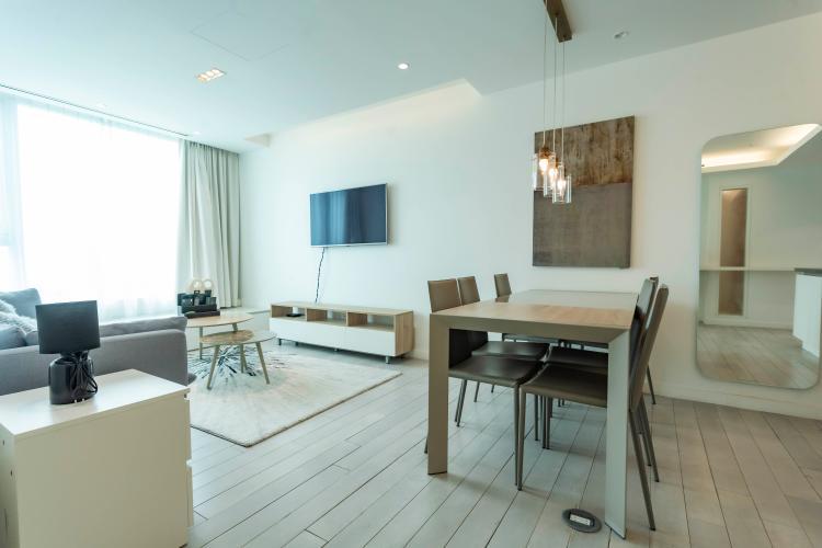 Phòng khách Léman Luxury Apartment Căn hộ Léman Luxury Apartments ban công hướng Đông Nam, view tầng cao.
