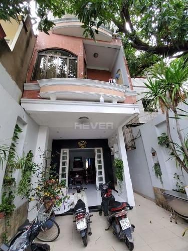Nhà phố mặt tiền đường Trinh Đình Trọng, kết cấu 1 trệt 3 lầu kiên cố.