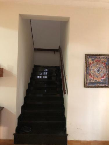 Bên trong biệt thự Biệt thự Thảo Điền Quận 2 trang bị đầy đủ nội thất, khu vực an ninh.