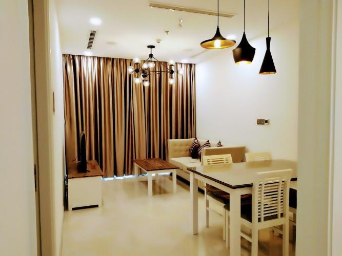Căn Office-tel Vinhomes Golden River tầng cao, đầy đủ nội thất.