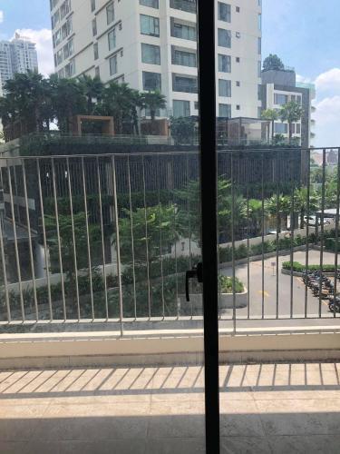 view ban công căn hộ Masteri An Phú Căn hộ Office -tel tháp A Masteri An Phú, view nội khu mát mẻ
