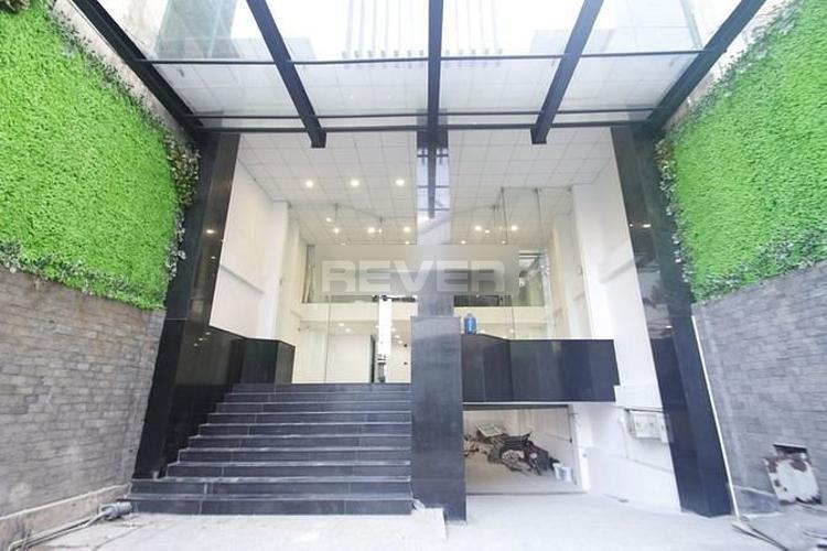 Tòa nhà kinh doanh có đầy đủ tiện ích, thiết kế kiên cố view Landmark 81.