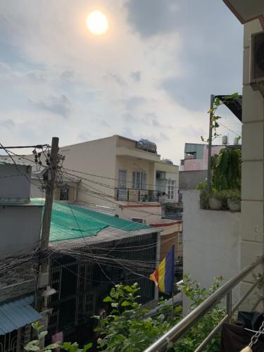 View ban công nhà phố Âu Dương Lân, Quận 8 Nhà phố hướng Tây Bắc, khu dân cư an ninh, hiện hữu lâu đời.