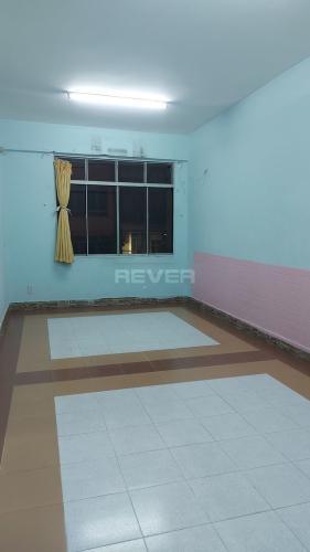 Căn hộ chung cư Nguyễn Kim hướng Đông Nam, nội thất cơ bản.