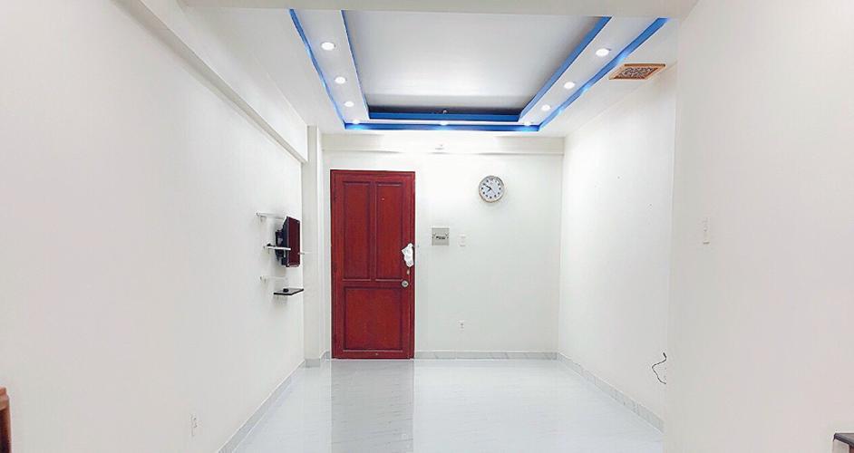 Căn hộ chung cư Bông Sao nội thất cơ bản, ban công Đông Nam.