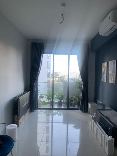 Căn hộ Celadon City có 2 phòng ngủ, bàn giao nội thất cơ bản.
