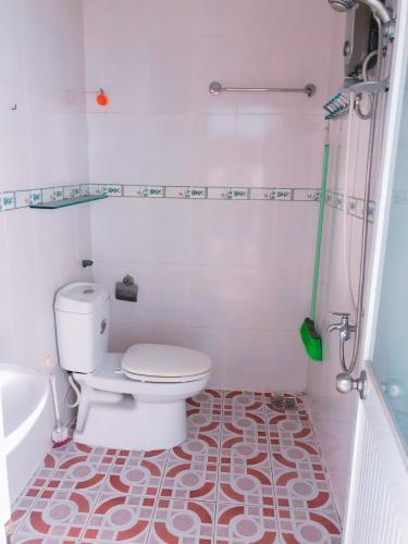 Phòng tắm căn hộ Tân Thịnh Lợi, Quận 6 Căn hộ Tân Thịnh Lợi tầng 4 view thoáng mát, không nội thất.