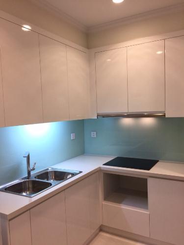 Phòng bếp căn hộ Vinhomes Central Park, Quận Bình Thạnh Căn hộ tầng 24 Vinhomes Central Park bàn giao đầy đủ nội thất.