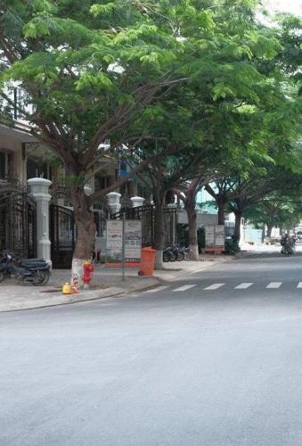 Đường trước nhà phố quận 7 Nhà phố mặt tiền tại KDC Cityland Riverside, diện tích sử dụng 1000m2.