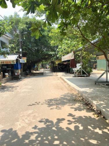 Đường hẻm nhà phố Quận Bình Tân Nhà phố Q.Bình Tân hướng Đông Bắc diện tích 79m2, sổ hồng riêng.