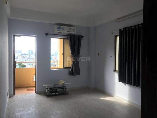 Căn hộ Chung cư Khánh Hội 1 tầng 8 thoáng mát, nội thất cơ bản.