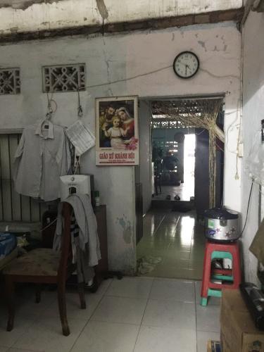 Phòng khách nhà phố Quận 4 Bán nhà hẻm 1 sẹc Tôn Đản, Quận 4, sổ hồng, cách đường Nguyễn Tất Thành 400m