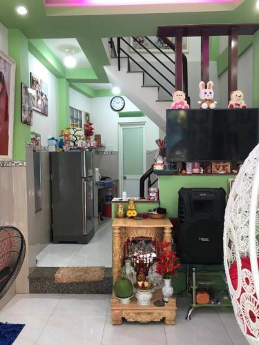 Bán nhà phố đường hẻm Tôn Thất Thuyết phường 3 quận 4, diện tích đất 23.4m2, sổ hồng đầy đủ