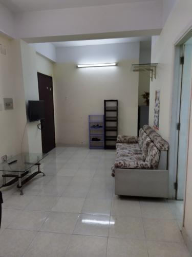 Căn hộ tầng 9 chung cư Tân Thịnh Lợi view thành phố thoáng mát.