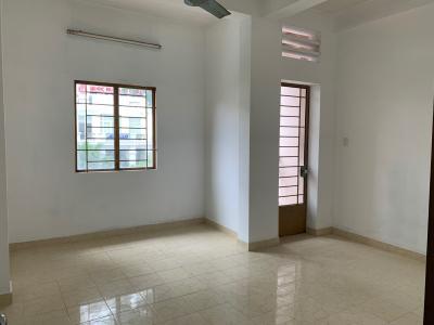 Căn hộ chung cư Lê Qúy Đôn không nội thất, view đường Trần Hưng Đạo.