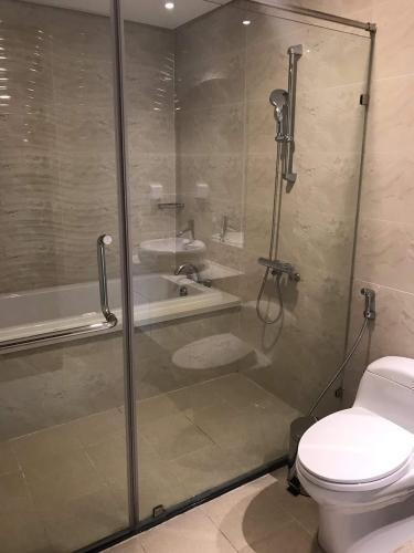 Phòng tắm căn hộ Vinhomes Central Park , Quận Bình Thạnh  Căn hộ Vinhomes Central Park ban công rộng rãi, view thành phố tuyệt đẹp.
