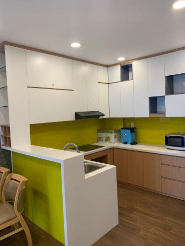 Phòng bếp căn hộ Kingston Residence Căn hộ tầng cao Kingston Residence đủ tiện nghi view nhìn ra thành phố.