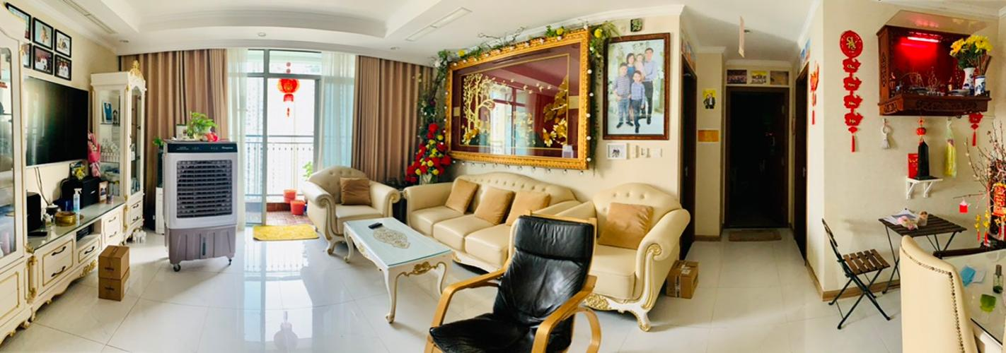 Căn hộ Vinhomes Central Park đầy đủ nội thất, view thoáng đãng.