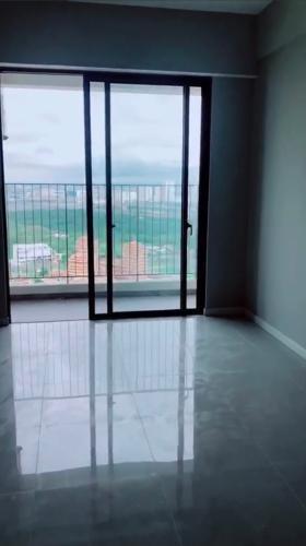 Căn hộ Masteri An Phú tầng 39 view đón gió thoáng mát, nội thất cơ bản.
