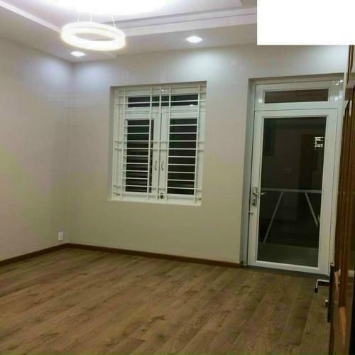 Phòng khách nhà phố Nhà phố mặt tiền diện tích 5mx10m, thuận tiện kinh doanh.