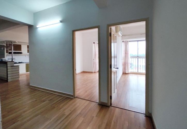 Không gian căn hộ chung cư Đông Hưng Căn hộ chung cư Đông Hưng tầng trung, cửa hướng Đông Bắc.