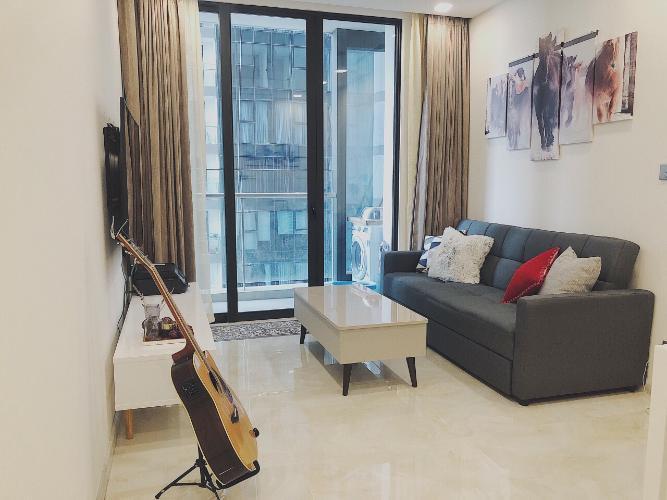 Cho thuê căn hộ Vinhomes Golden River 1 phòng ngủ, tầng cao, đầy đủ nội thất cao cấp