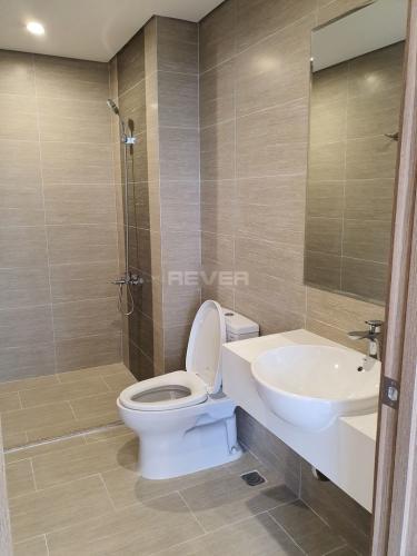 Toilet Vinhomes Grand Park Quận 9 Căn hộ Vinhomes Grand Park tầng trung, nội thất cơ bản, view sông.