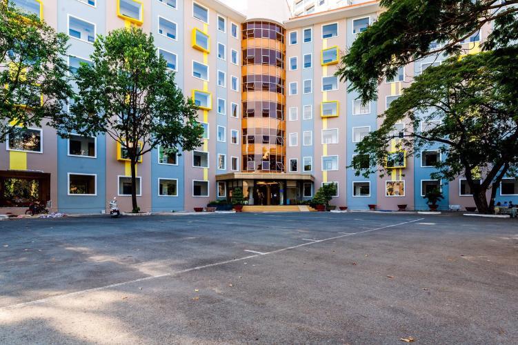 Bên ngoài căn hộ dịch vụ quận 10 Cho thuê căn hộ dịch vụ đường Ba tháng Hai, Quận 10, diện tích 35m2, cách Nhà hát Hòa Bình 200m