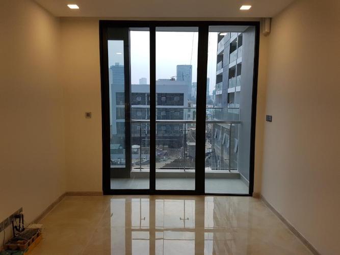 Căn hộ tầng 5 Vinhomes Golden River nội thất cơ bản.