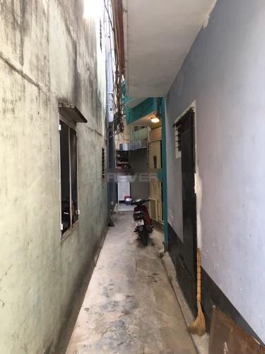 Đường hẻm nhà phố Quận Gò Vấp Nhà 1 trệt 1 lầu Q.Gò Vấp hướng Đông, sổ hồng riêng và nội thất cơ bản.