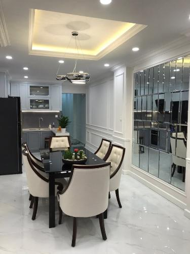 Bên trong nhà phố Tô Hiến Thành, Quận 10 Nhà phố mặt tiền hẻm hơn 9m, nội thất đầy đủ.