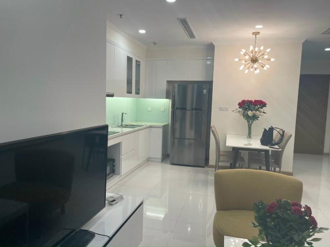 phòng bếp căn hộ Vinhomes Central Park Căn hộ Vinhomes Central Park đầy đủ nội thất, hướng Tây.
