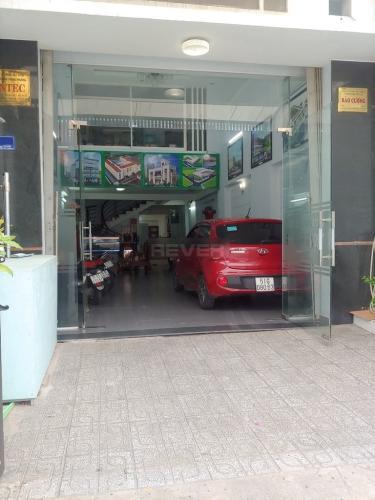 Bên ngoài văn phòng Văn phòng Quận 7 mặt tiền đường thuận tiện kinh doanh.