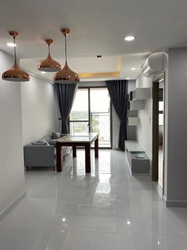 Căn hộ Saigon South Residence hướng Tây, nội thất đầy đủ.