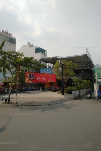 Bán mặt bằng kinh doanh đường Ung Văn Khiêm, diện tích 35x15.3m.
