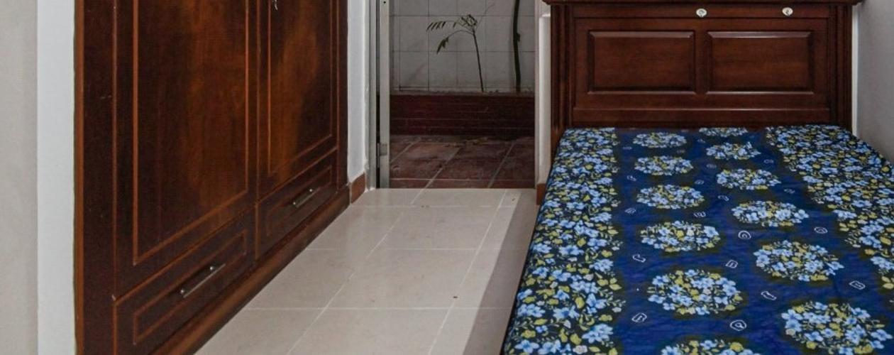 Phòng ngủ căn hộ chung cư Hưng Vượng 2 Căn hộ chung cư Hưng Vượng 2 đầy đủ nội thất, cửa chính hướng Nam.