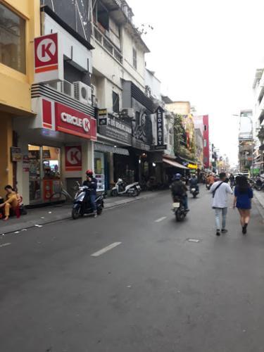 Đường nhà phố Nhà phố hướng Bắc thiết kế kỹ lưỡng, diện tích sử dụng 200m2.