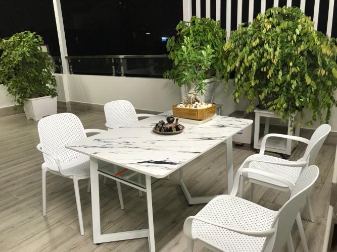 Bàn ăn nhà phố quận Phú Nhuận Bàn nhà hẻm 3 tầng, 3 phòng ngủ, diện tích đất 43m2, diện tích sàn 158m2, thiết kê hiện đại, đầy đủ nội thất