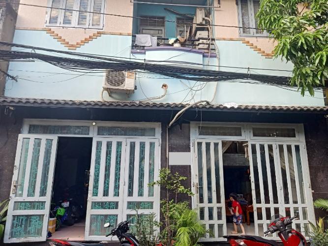 Nhà phố diện tích 50.6m2 có sổ hồng riêng, cách đường trường Chinh 150m.