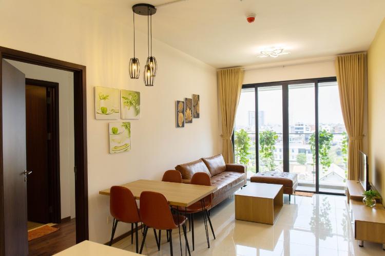 Phòng khách One Verandah Quận 2 Căn hộ One Verandah hướng Đông Nam, đầy đủ nội thất.