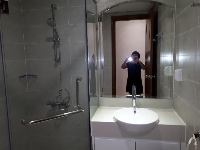 Phòng tắm Căn hộ Vinhomes Central Park Căn hộ tầng 32 Vinhomes Central Park, view thành phố thoáng mát