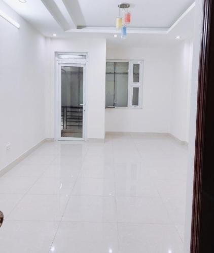 Văn phòng diện tích 30m2 mặt tiền đường Trần Lựu, không có nội thất.